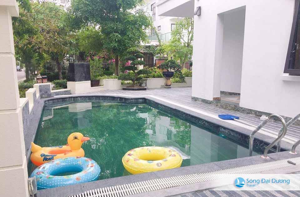 Bể bơi cùng khuân viên rộng