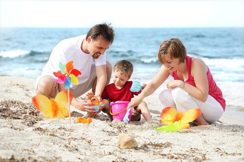 đi biển cùng gia đình