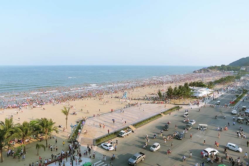 Bến xe Sầm Sơn cách bãi biển bao nhiêu km